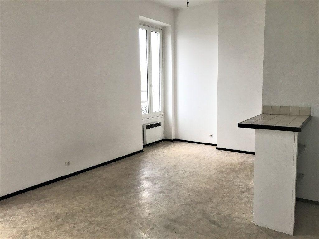 Appartement à louer 1 26.37m2 à Bordeaux vignette-1
