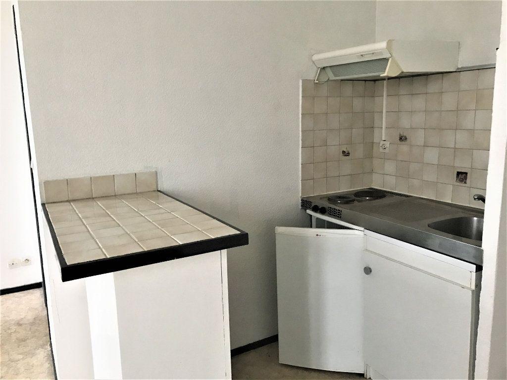 Appartement à louer 1 26.37m2 à Bordeaux vignette-4