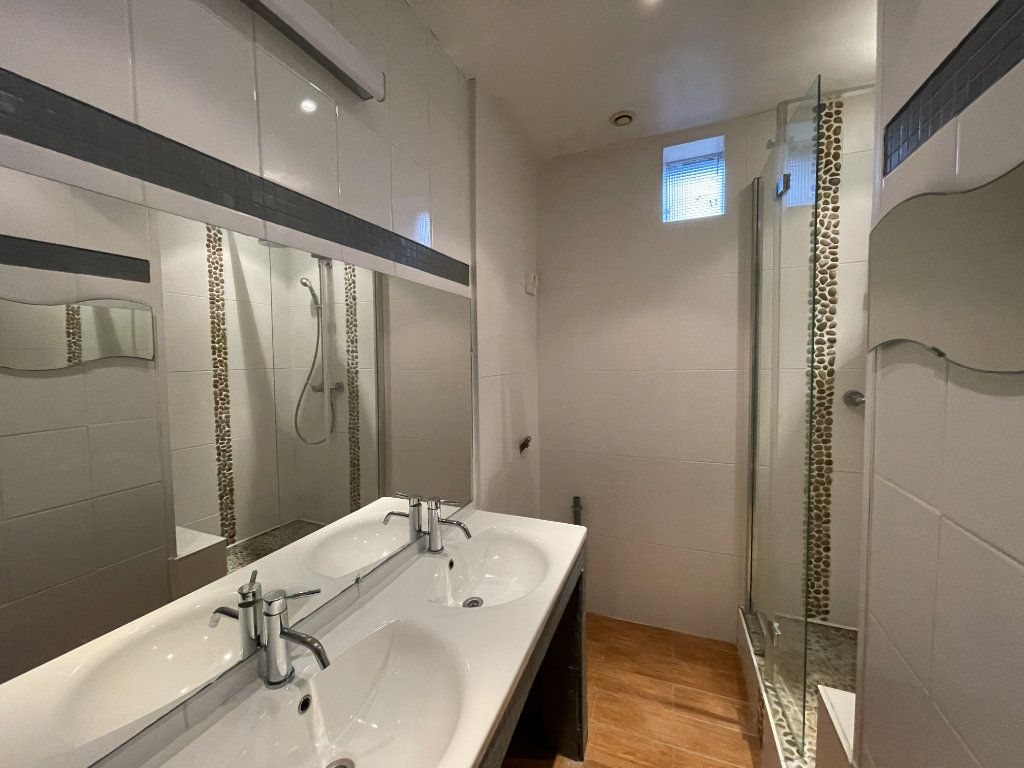 Appartement à vendre 5 130m2 à Bordeaux vignette-4