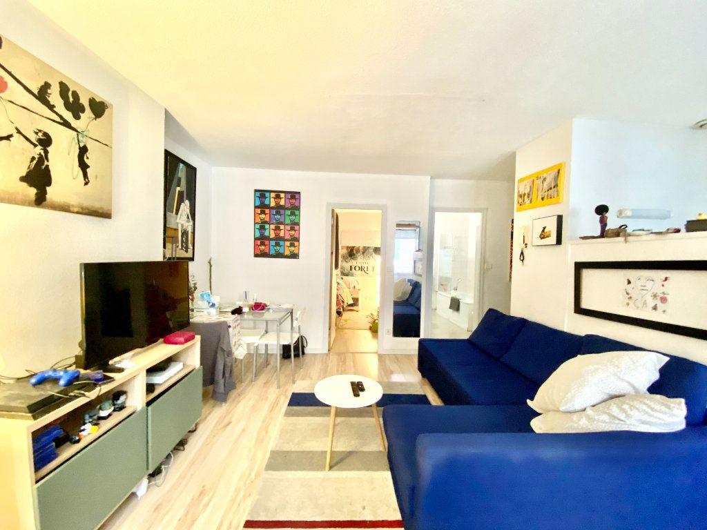 Appartement à vendre 2 36m2 à Bordeaux vignette-2