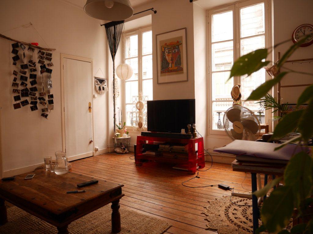 Appartement à vendre 3 59m2 à Bordeaux vignette-2