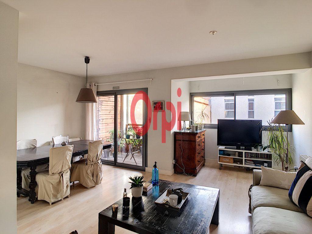 Appartement à vendre 3 65m2 à Bordeaux vignette-1