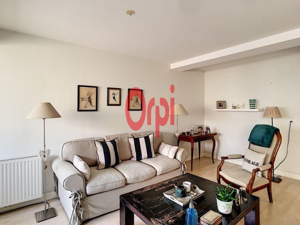 Appartement à vendre 3 65m2 à Bordeaux vignette-3