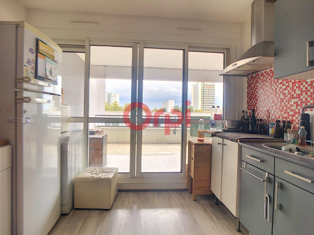 Appartement à vendre 3 53.35m2 à Bordeaux vignette-3