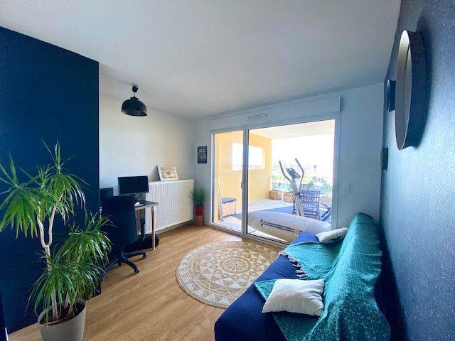 Appartement à vendre 5 113m2 à Bordeaux vignette-2