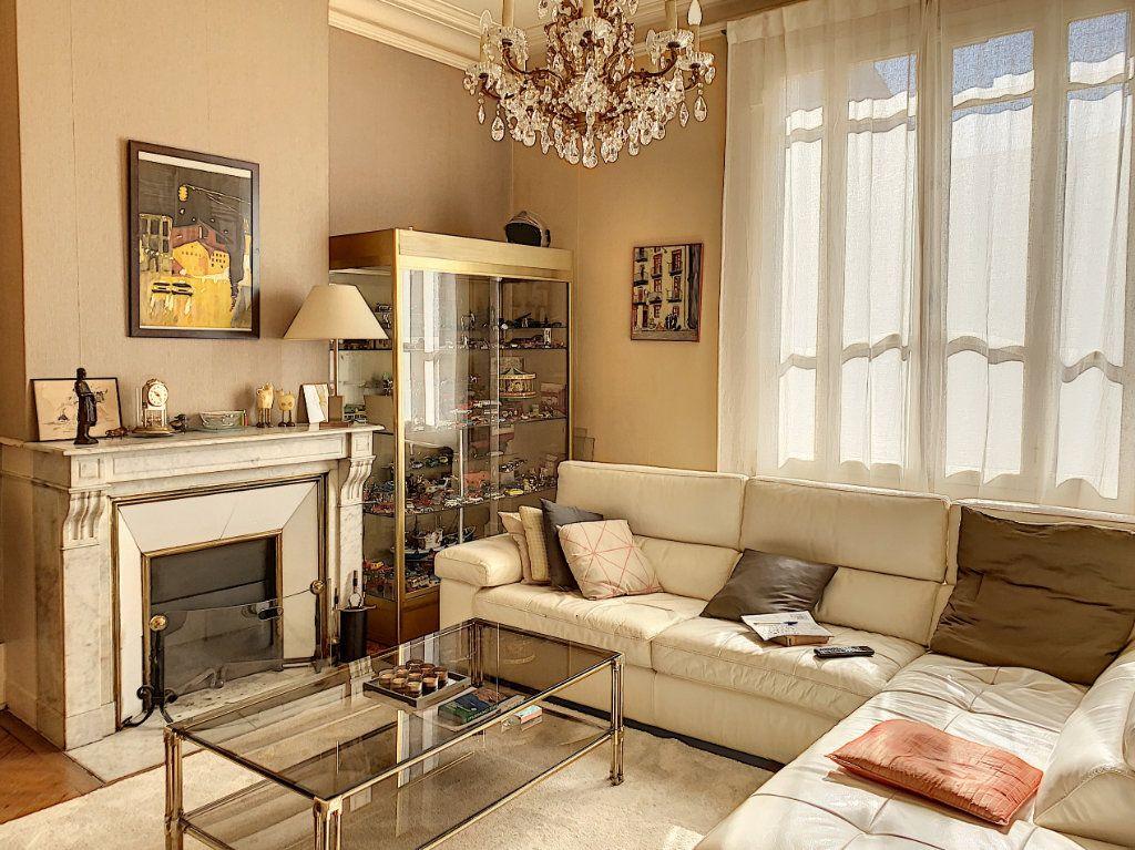 Maison à vendre 6 125m2 à Bordeaux vignette-1