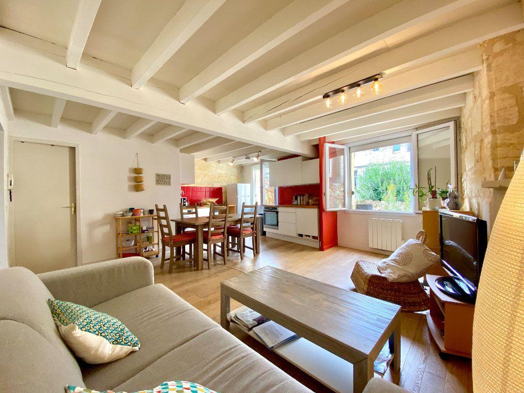Appartement à vendre 3 79.04m2 à Bordeaux vignette-1