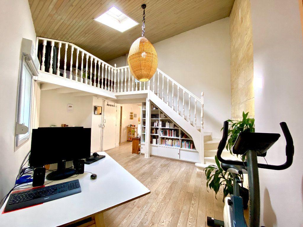 Appartement à vendre 3 79.04m2 à Bordeaux vignette-4