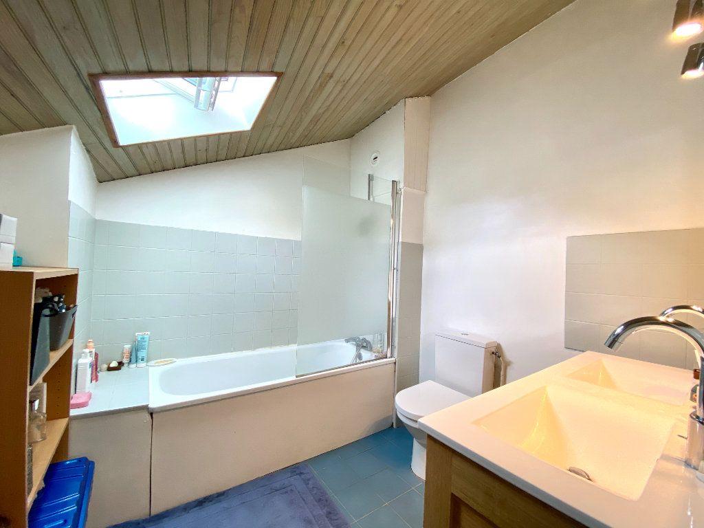 Appartement à vendre 3 79.04m2 à Bordeaux vignette-6