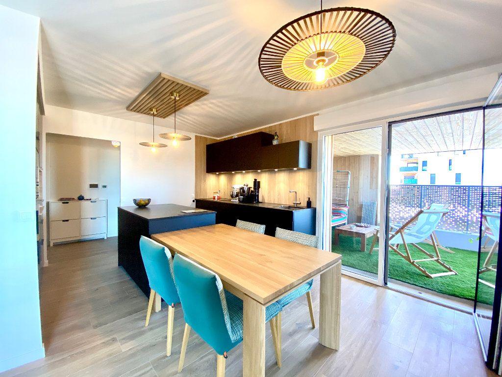Appartement à vendre 4 85m2 à Bordeaux vignette-1