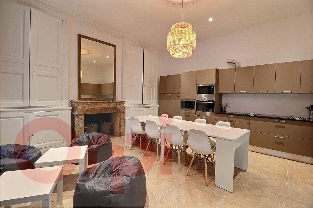 Appartement à louer 1 13.86m2 à Bordeaux vignette-1