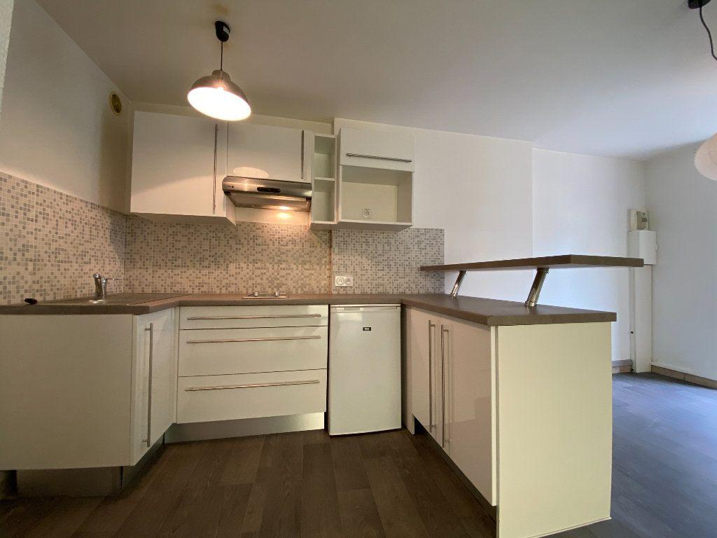 Appartement à vendre 2 40m2 à Bordeaux vignette-2