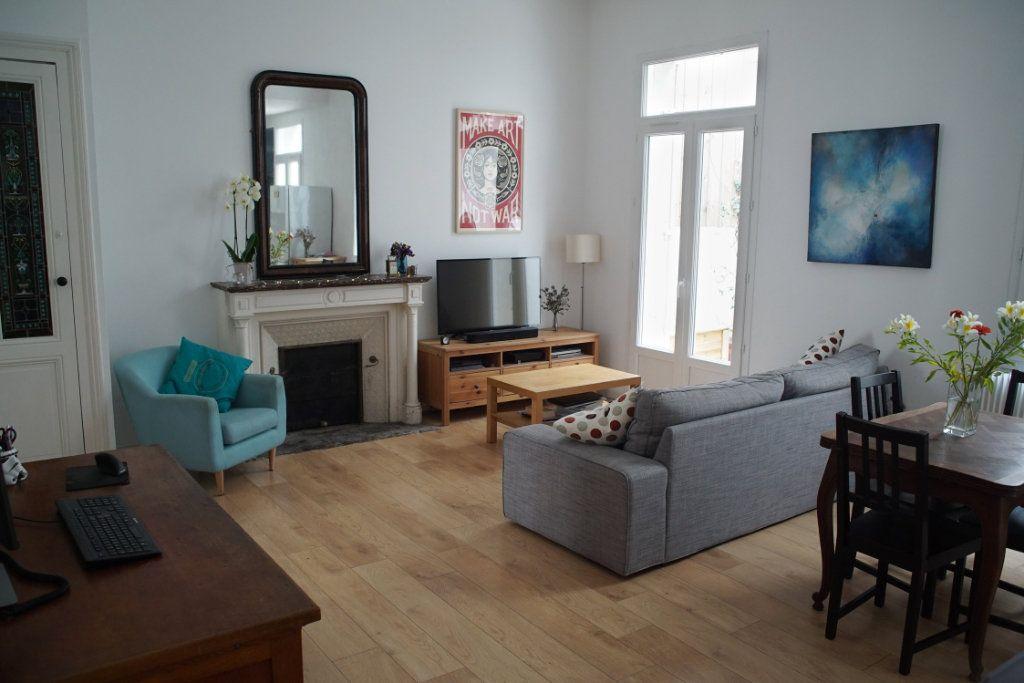 Appartement à vendre 3 71m2 à Bordeaux vignette-1