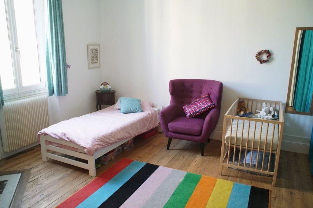 Appartement à vendre 3 71m2 à Bordeaux vignette-2