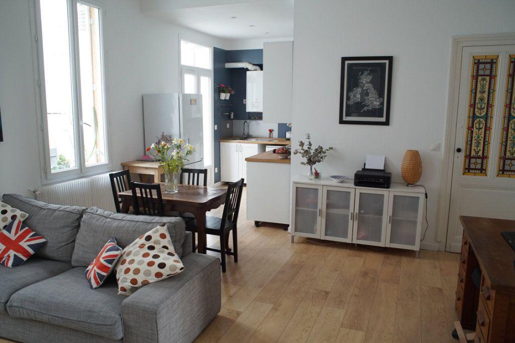 Appartement à vendre 3 71m2 à Bordeaux vignette-3