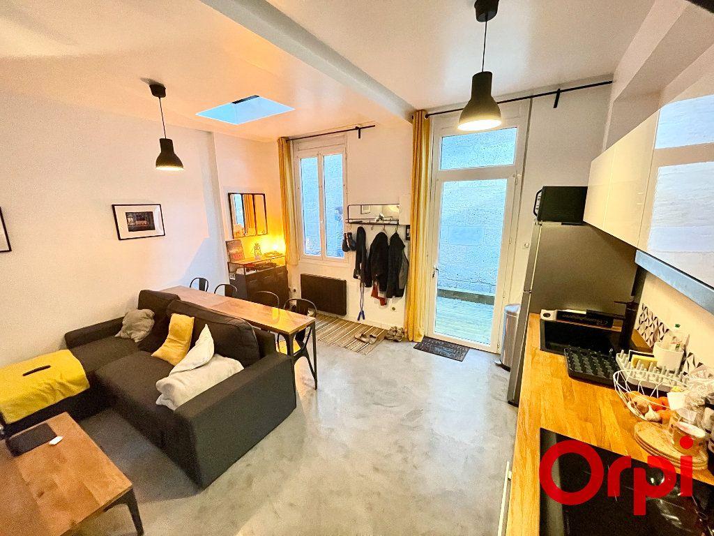 Appartement à vendre 2 37m2 à Bordeaux vignette-2