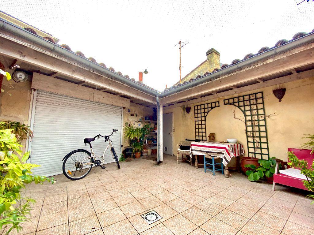 Maison à vendre 5 140m2 à Bordeaux vignette-2