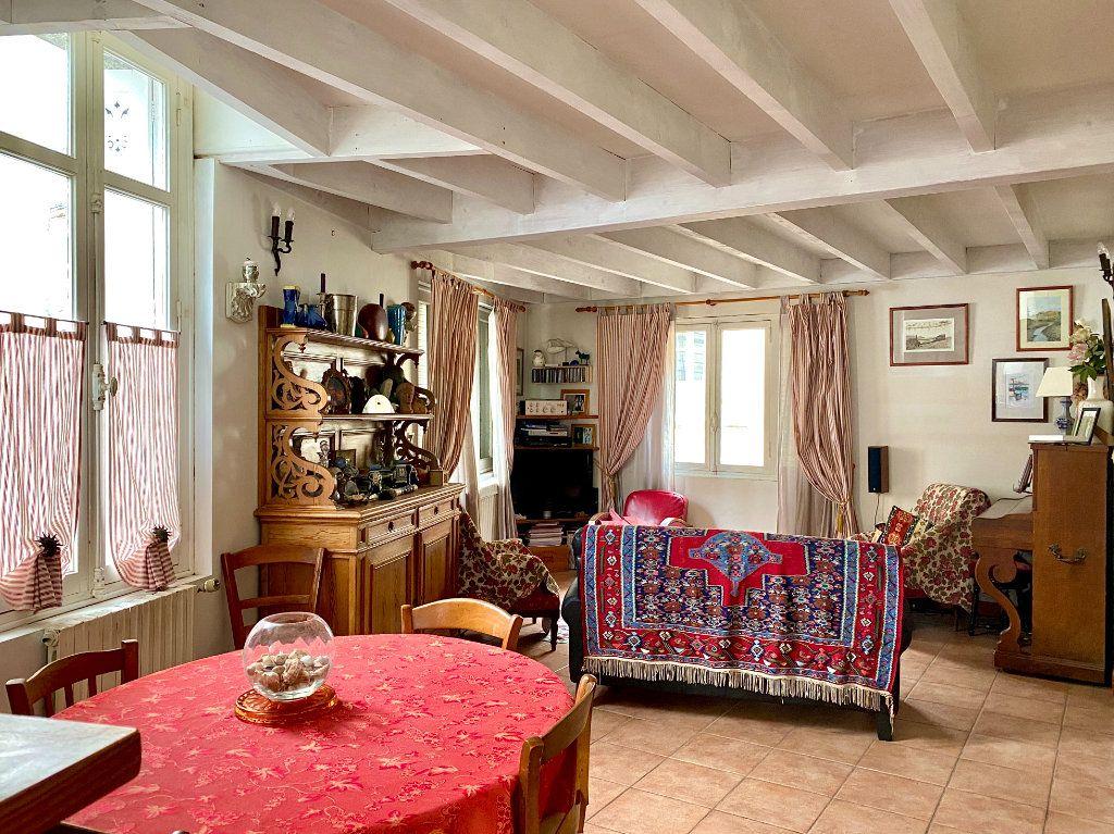 Maison à vendre 5 140m2 à Bordeaux vignette-3