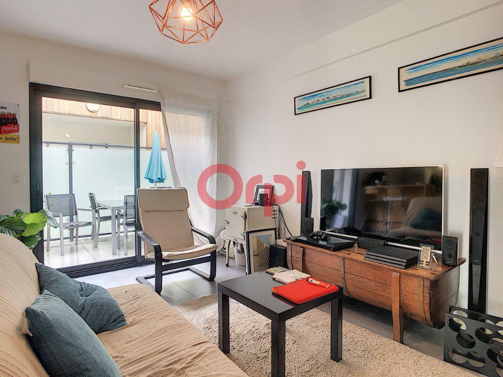 Appartement à vendre 3 62m2 à Bordeaux vignette-3