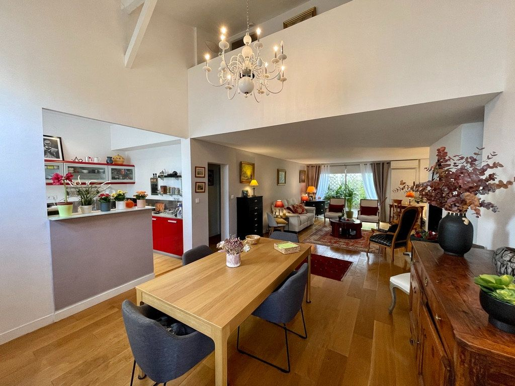 Maison à vendre 4 105m2 à Bordeaux vignette-1