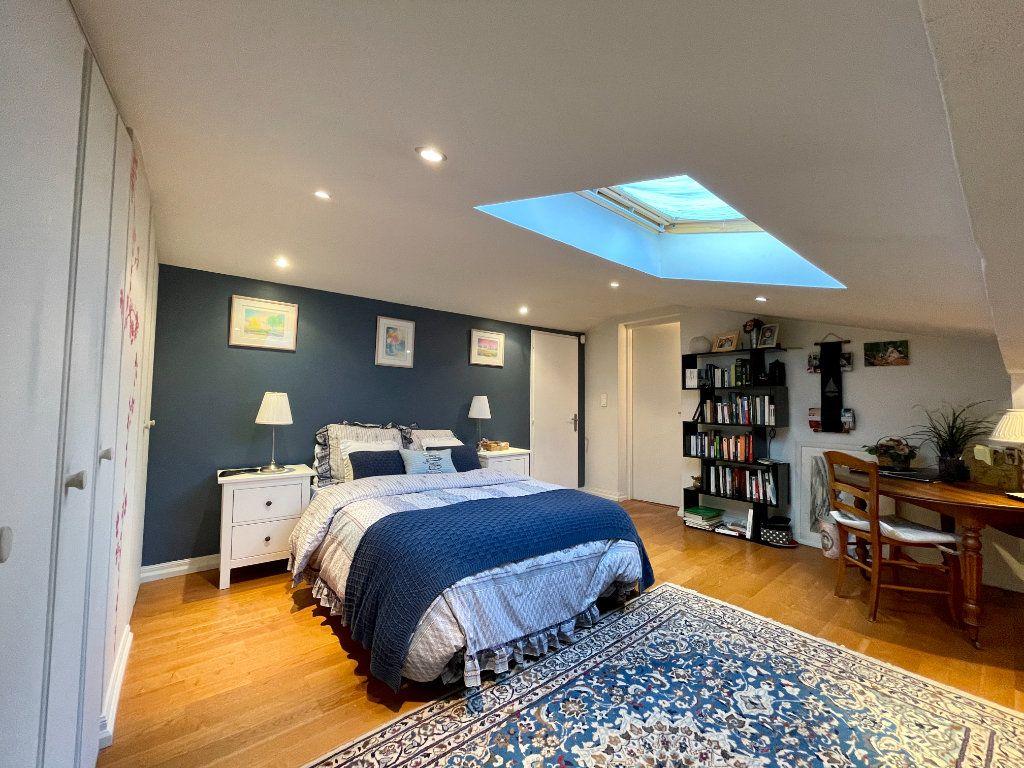 Maison à vendre 4 105m2 à Bordeaux vignette-5