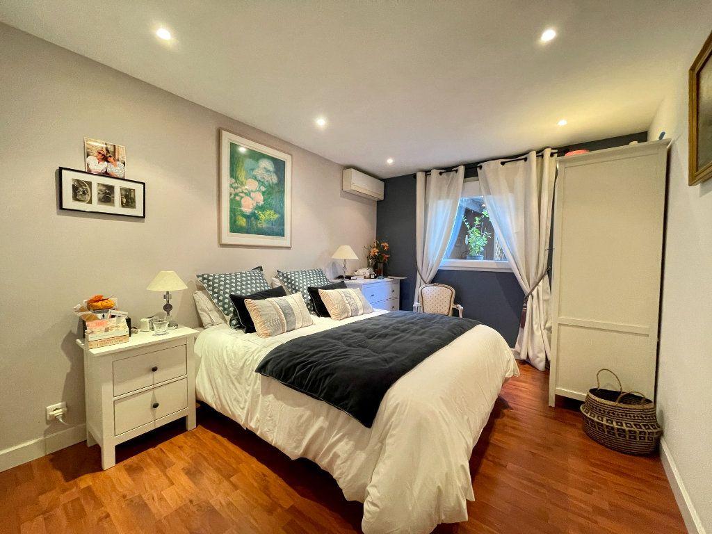 Maison à vendre 4 105m2 à Bordeaux vignette-6