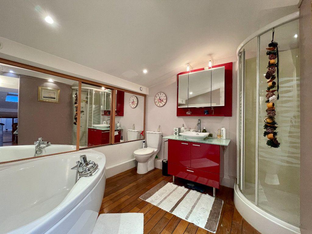 Maison à vendre 4 105m2 à Bordeaux vignette-7