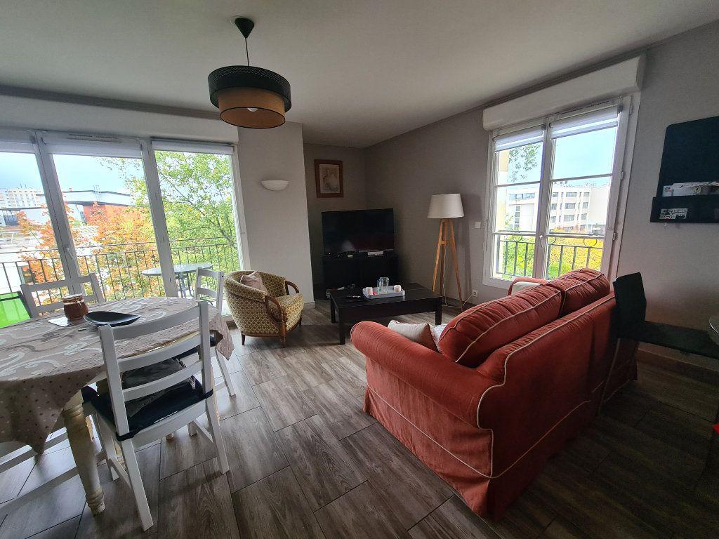 Appartement à louer 3 72.92m2 à Bordeaux vignette-1