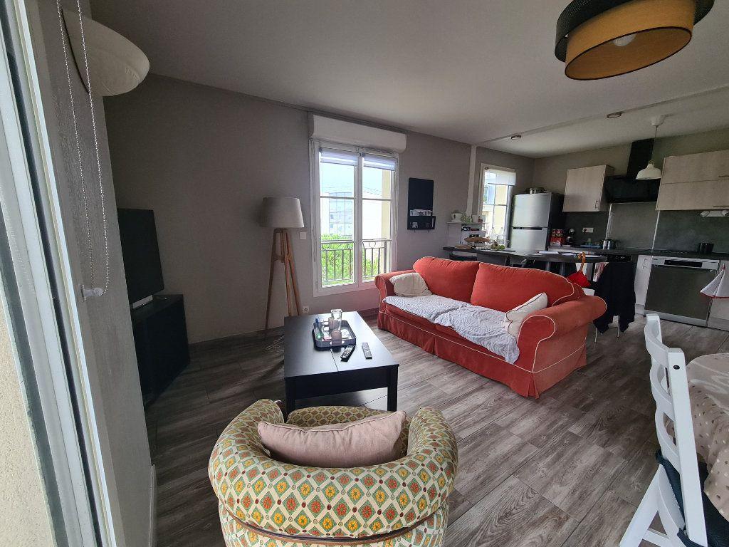 Appartement à louer 3 72.92m2 à Bordeaux vignette-2