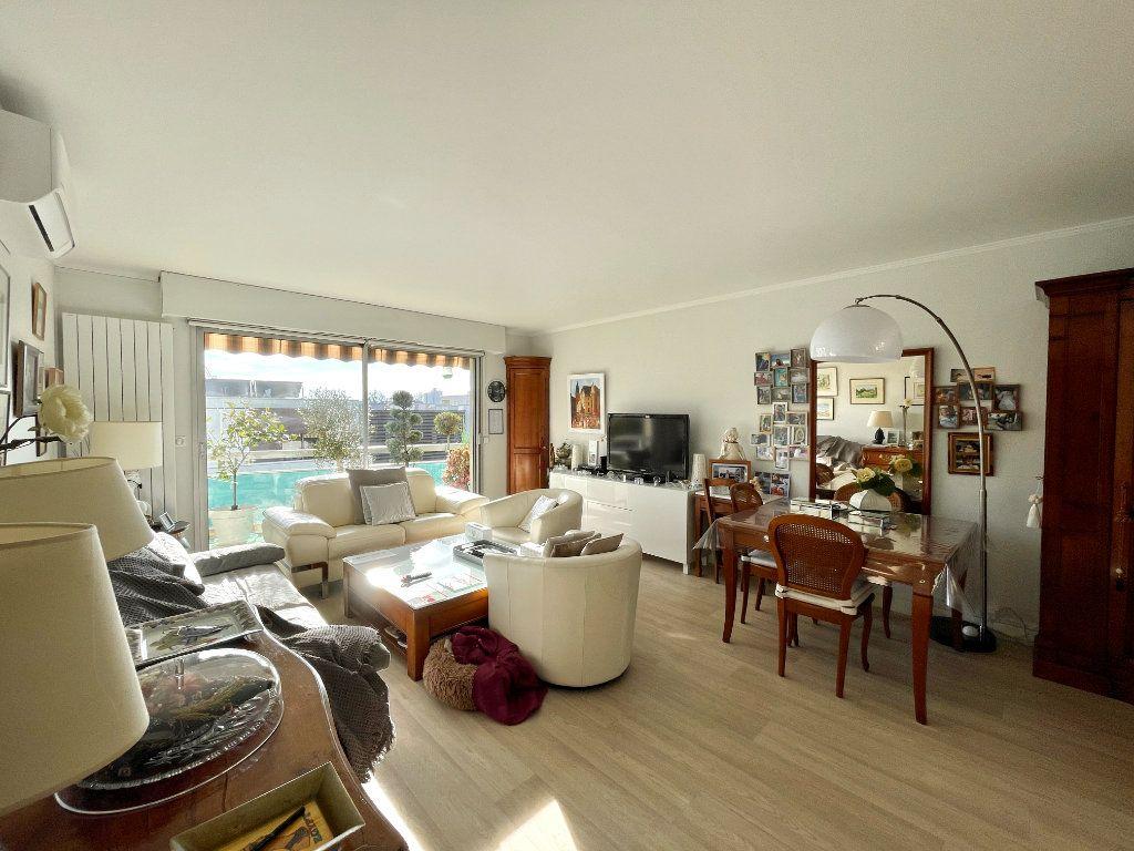 Appartement à vendre 3 80m2 à Bordeaux vignette-1