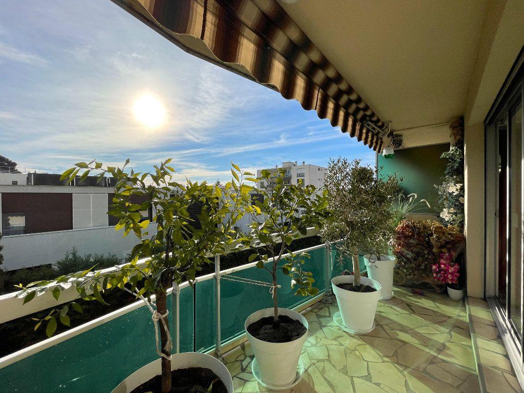 Appartement à vendre 3 80m2 à Bordeaux vignette-2