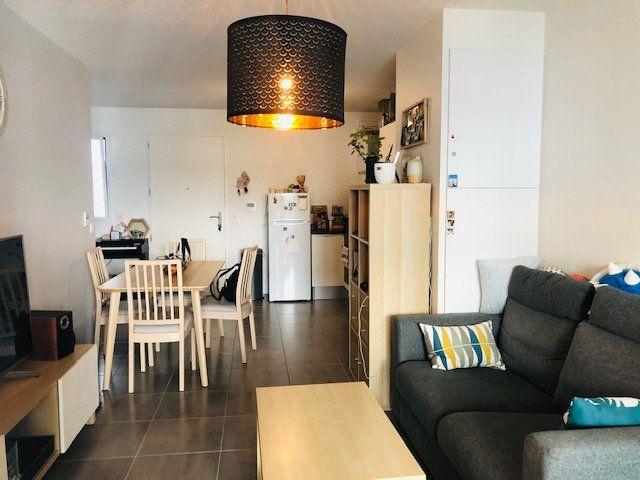 Appartement à vendre 2 46m2 à Bordeaux vignette-1