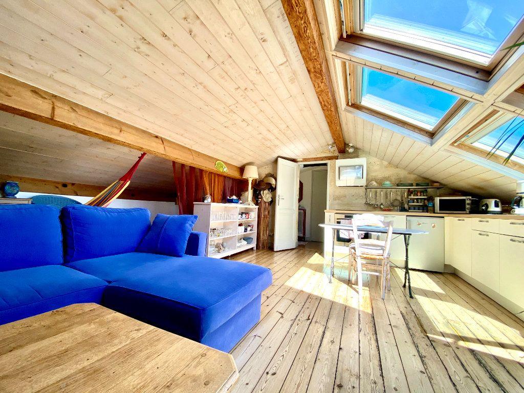 Appartement à vendre 1 23m2 à Bordeaux vignette-2