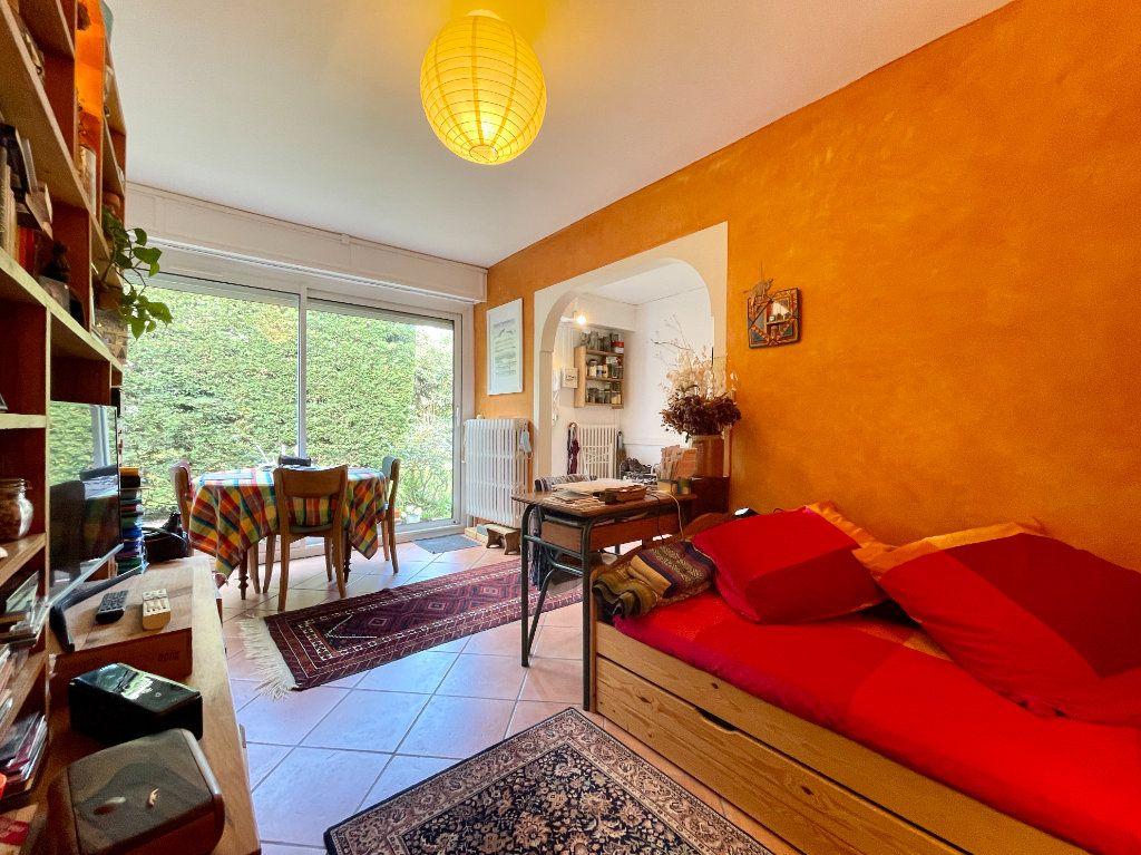 Appartement à vendre 2 37m2 à Bordeaux vignette-1