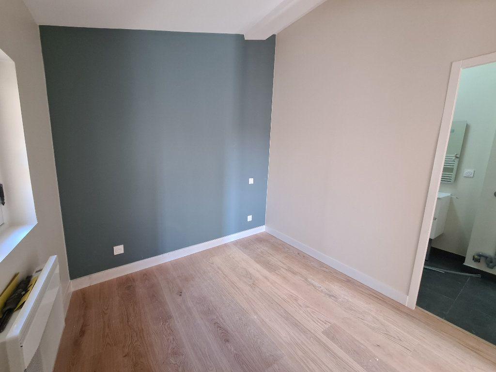 Appartement à louer 2 52m2 à Bordeaux vignette-5