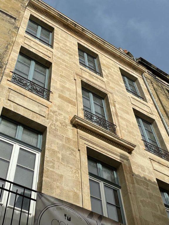 Appartement à louer 2 51m2 à Bordeaux vignette-1