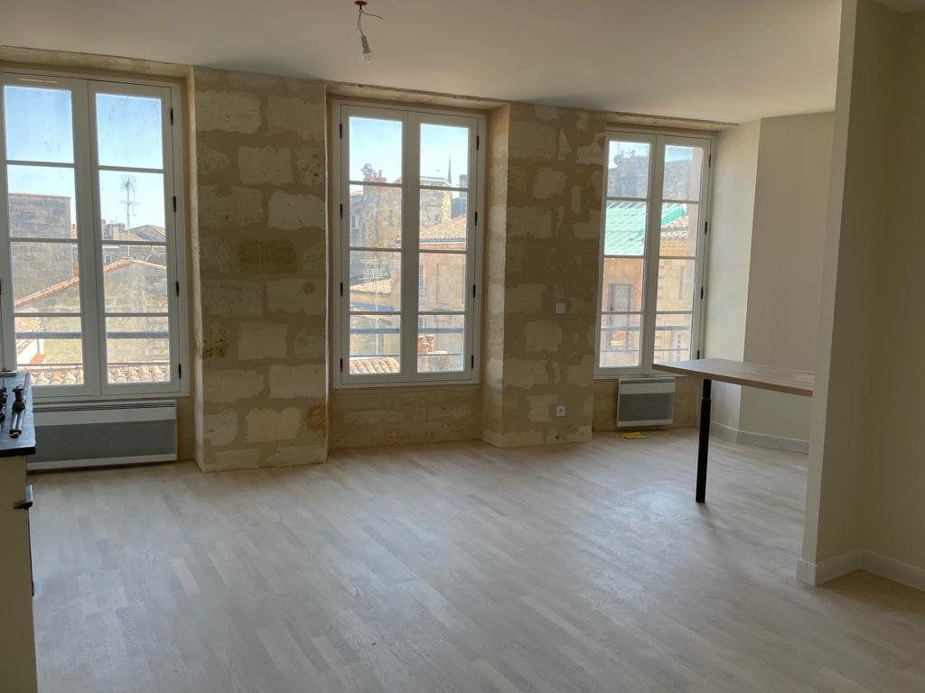 Appartement à louer 2 51m2 à Bordeaux vignette-3