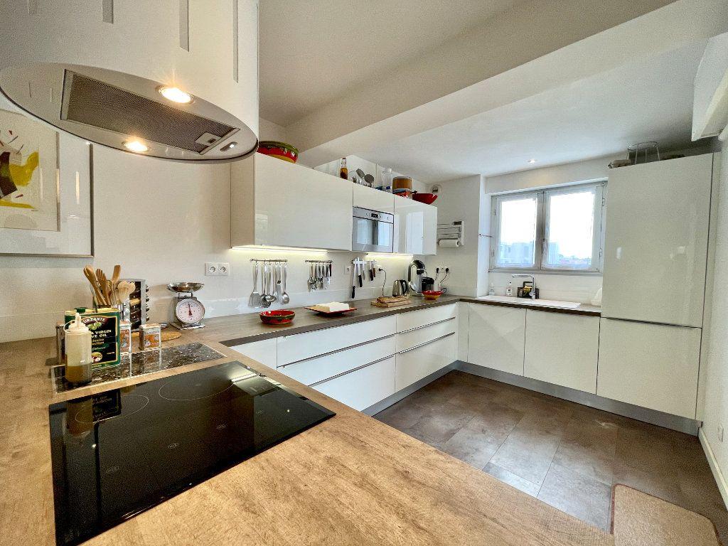 Appartement à vendre 3 60.75m2 à Bordeaux vignette-4