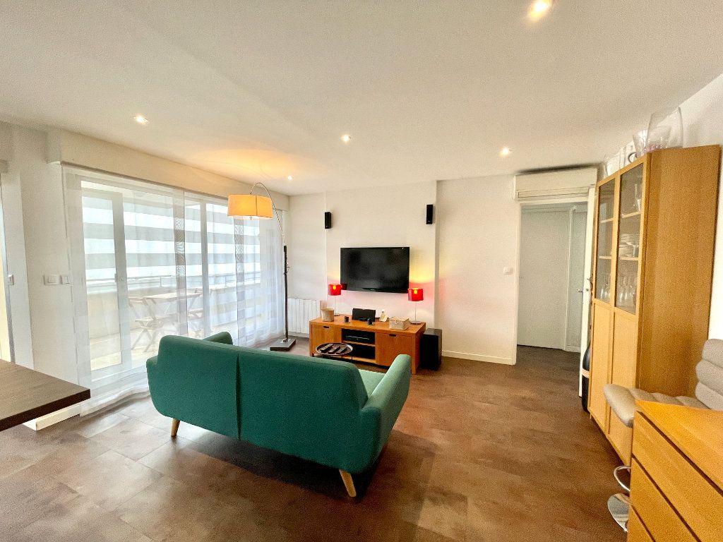 Appartement à vendre 3 60.75m2 à Bordeaux vignette-5