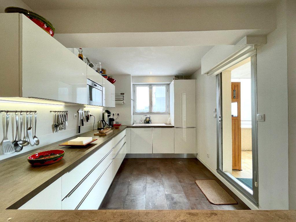 Appartement à vendre 3 60.75m2 à Bordeaux vignette-6