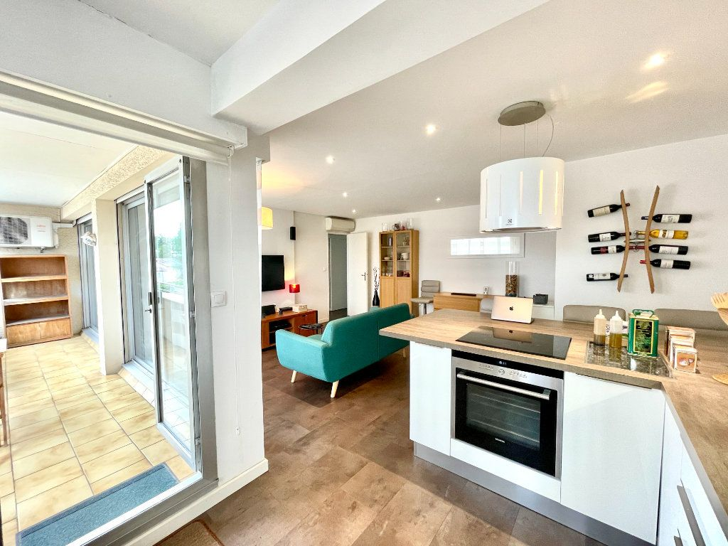 Appartement à vendre 3 60.75m2 à Bordeaux vignette-7