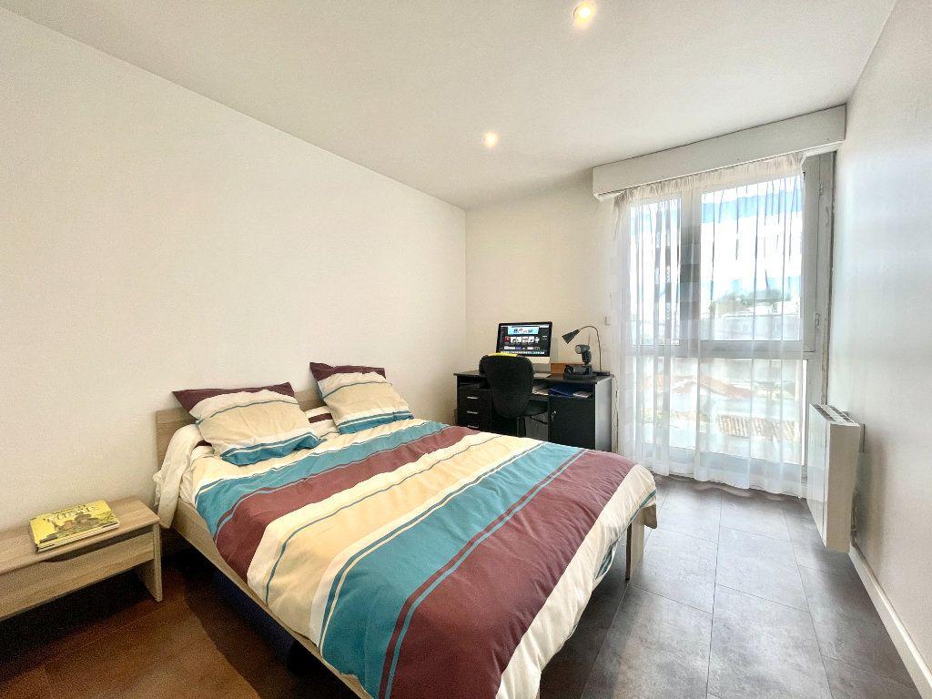 Appartement à vendre 3 60.75m2 à Bordeaux vignette-9