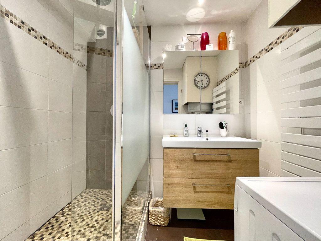 Appartement à vendre 3 60.75m2 à Bordeaux vignette-10