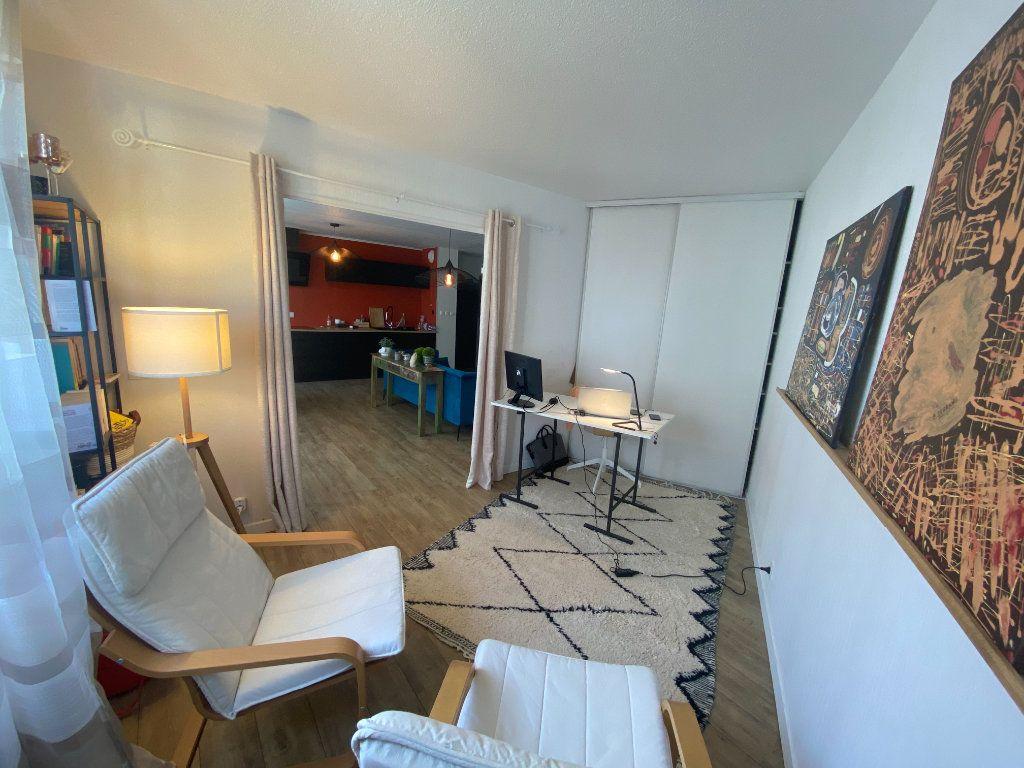 Appartement à vendre 3 67m2 à Bordeaux vignette-3