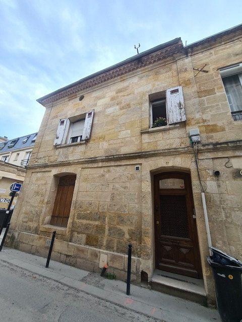 Appartement à louer 2 31m2 à Bordeaux vignette-1