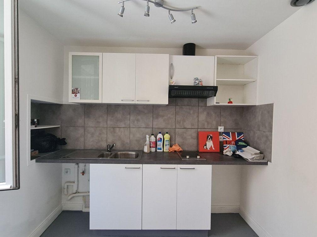 Appartement à louer 2 31m2 à Bordeaux vignette-2