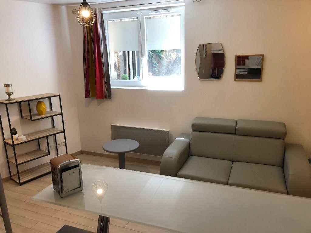 Appartement à vendre 1 26m2 à Bordeaux vignette-2