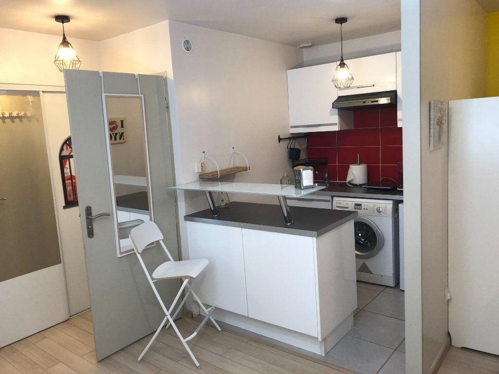 Appartement à vendre 1 26m2 à Bordeaux vignette-3