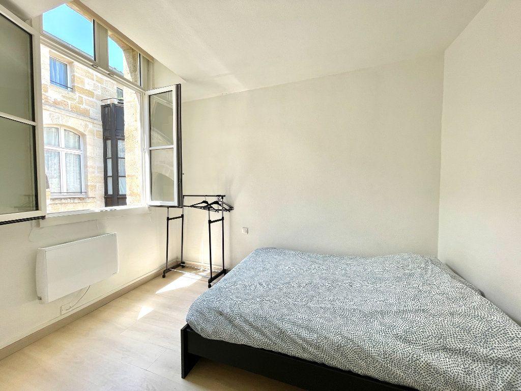Appartement à vendre 2 27.6m2 à Bordeaux vignette-2