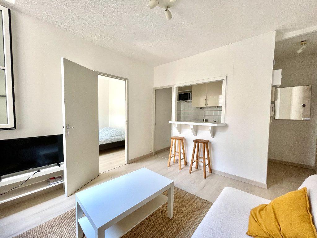 Appartement à vendre 2 27.6m2 à Bordeaux vignette-3